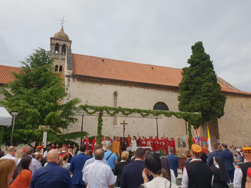 Proslavljen jubilej 50. obljetnice kanonizacije prvog hrvatskog sveca sv. Nikole Tavelića