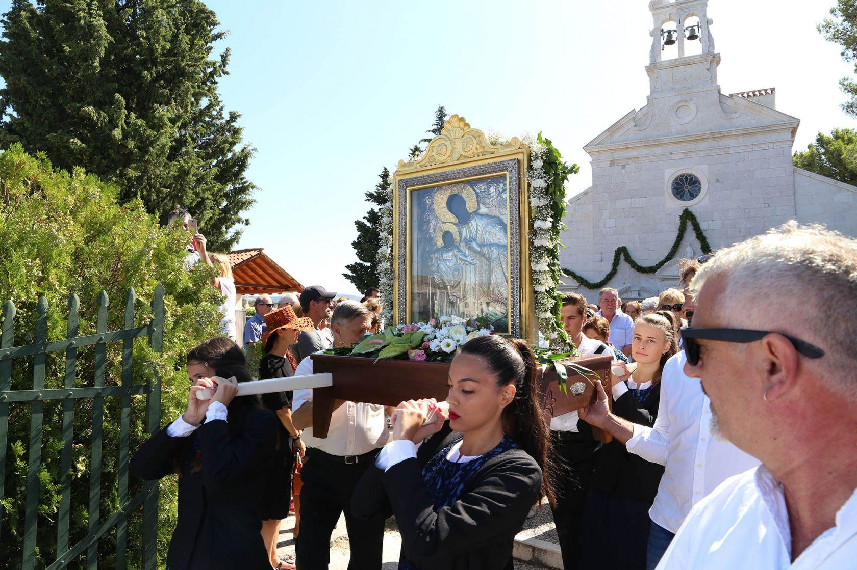 Kod  crkve u Vrpolju na blagdan Velike Gospe neće biti tradicionalnih štandova
