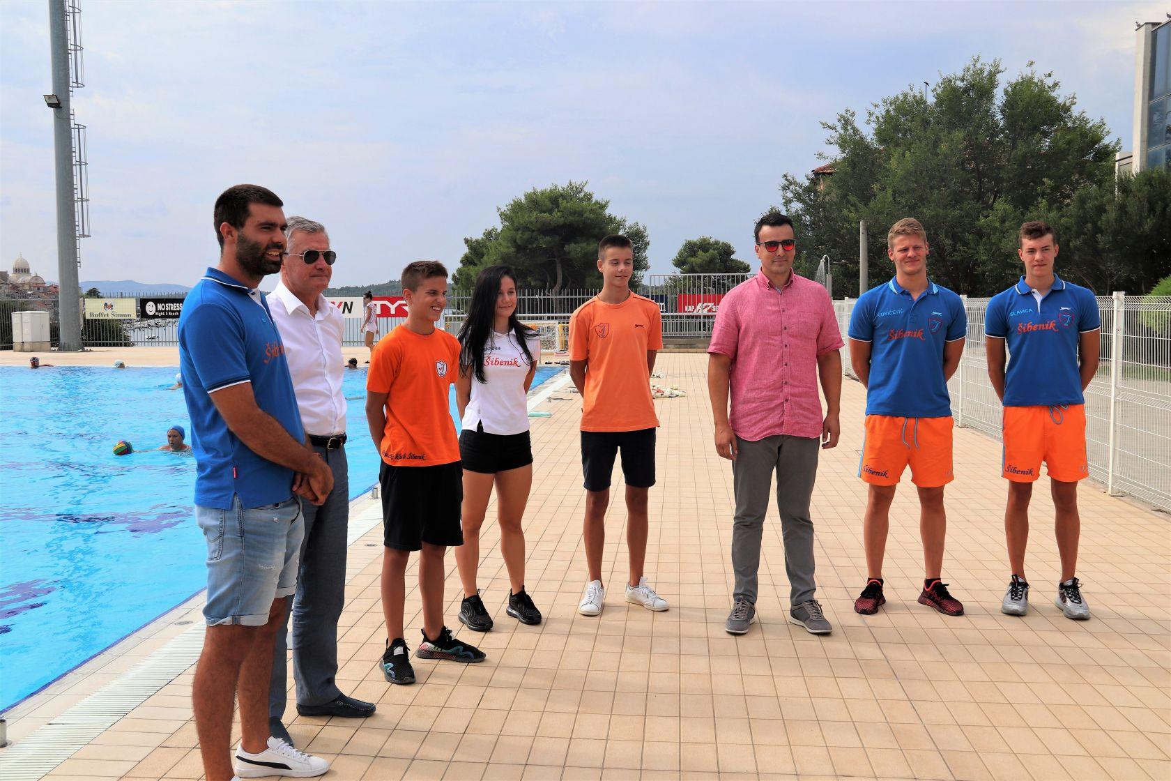 Gradonačelnik Željko Burić posjetio uspješne plivače i plivačice iz PK Šibenik