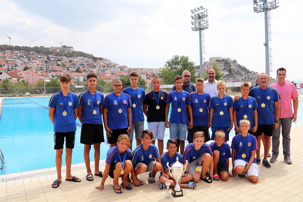 Zamjenik gradonačelnika Paško Rakić posjetio mlade vaterpolske prvake