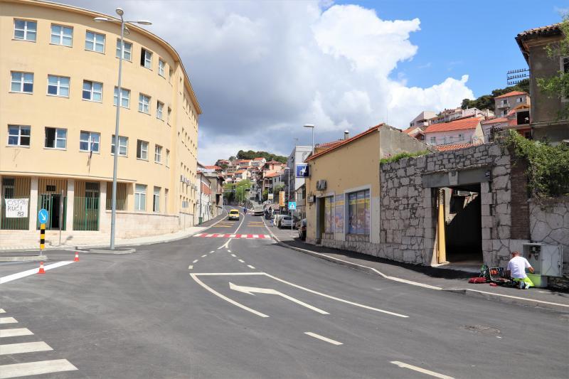 Zbog rekonstrukcije kolnika, od petka do nedjelje za promet se zatvara Ulica kralja Zvonimira od Vatrogasnog doma do Zadarske