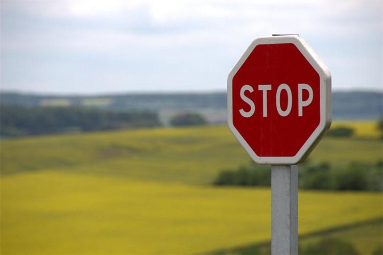 Zabrana napuštanja županija i ograničavanje okupljanja