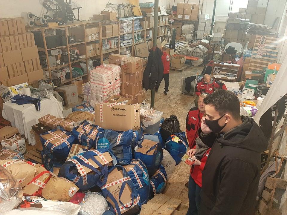 Organizacija humanitarne pomoći u Šibeniku za potresom razorena područja