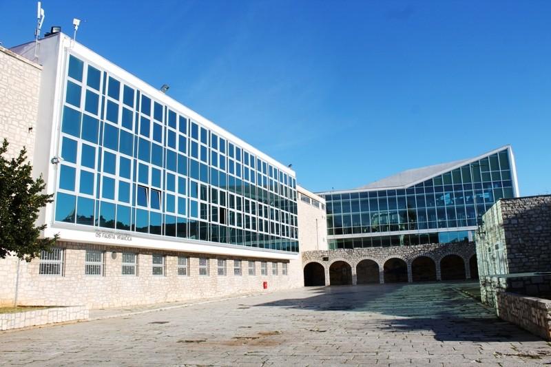 Osnovna škola Fausta Vrančića prelazi na online nastavu