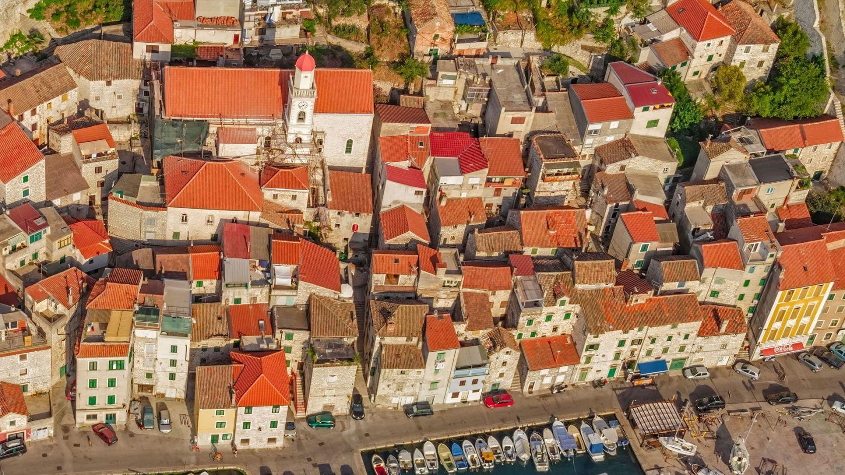 Grad Šibenik obnovit će fasadu  i krovište na pet objekata u staroj gradskoj jezgri