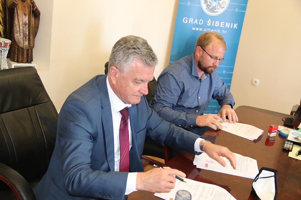 Potpisan ugovor o projektiranju i gradnji brodice za potrebe Hrvatskog centra koralja Zlarin