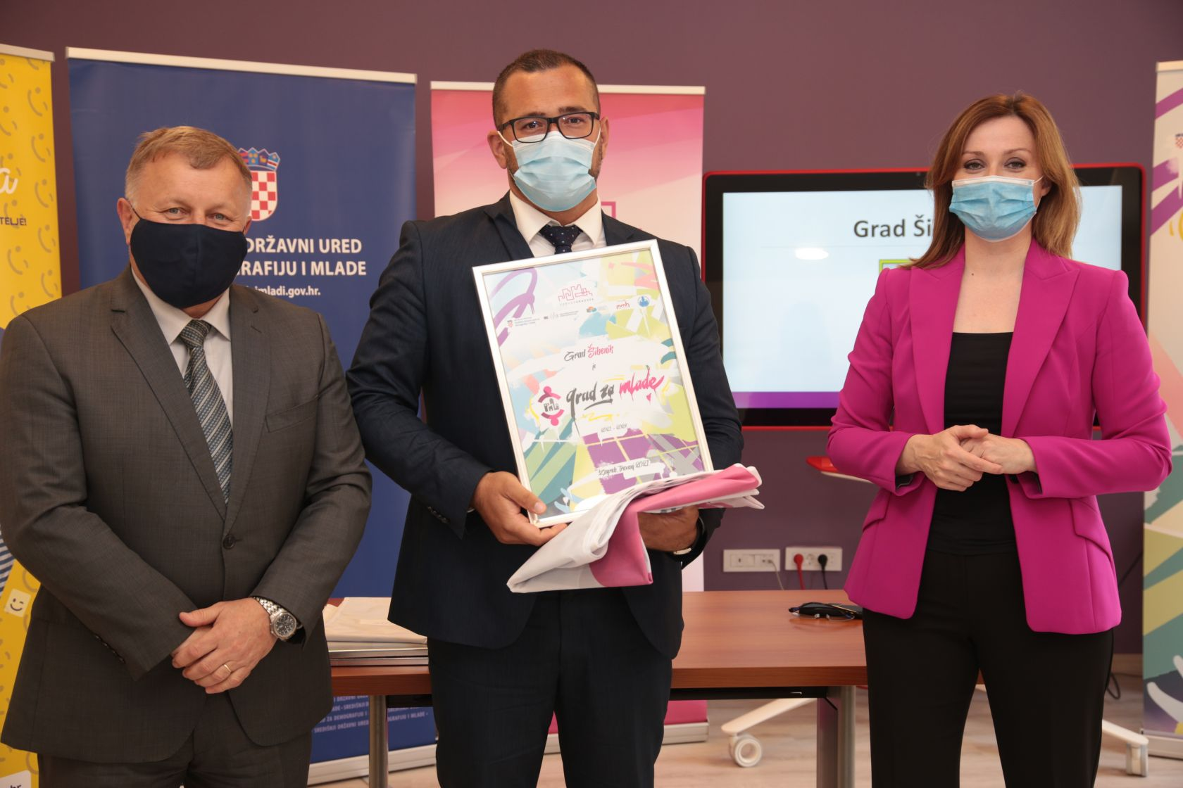 """Gradu Šibeniku i službeno uručen certifikat """"Grad za mlade"""""""
