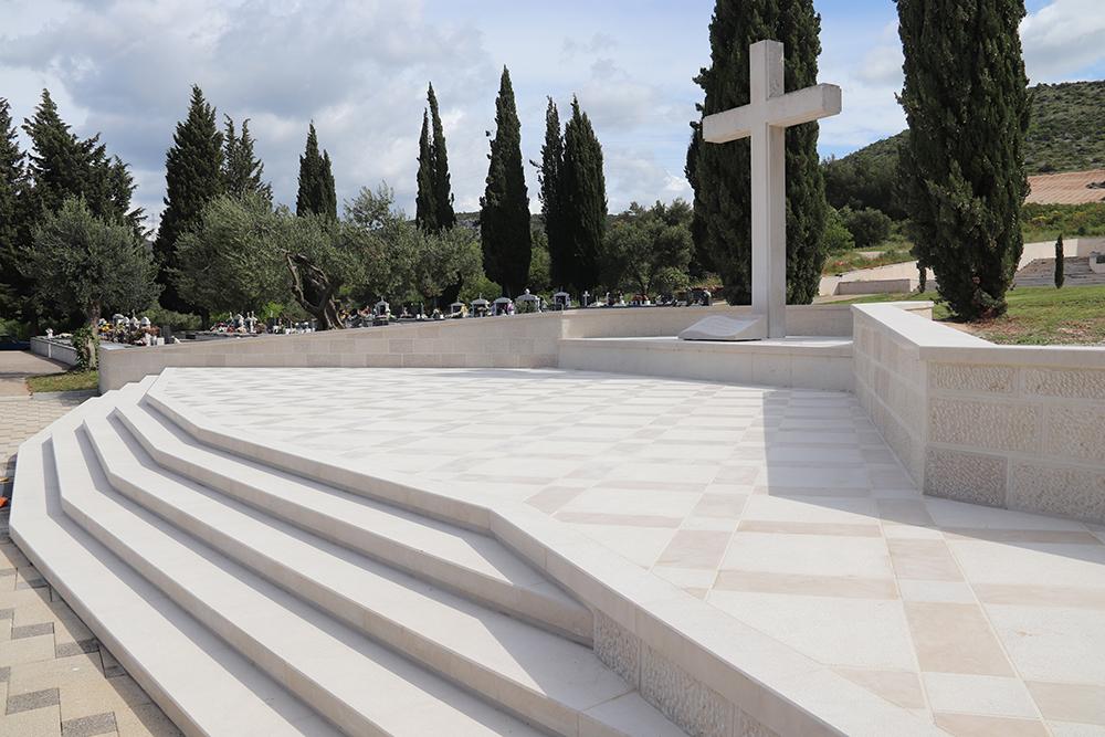 Završeni radovi na uređenju  centralnog Memorijalnog križa na Kvanju