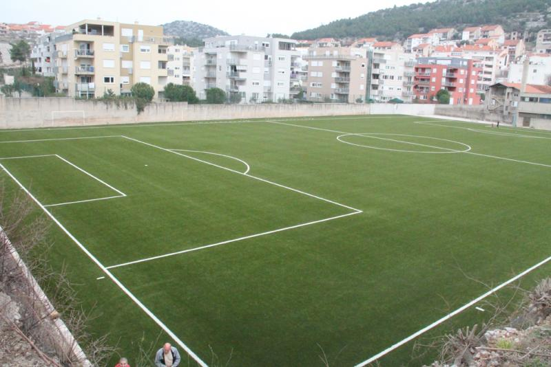 Uređenje pomoćnog terena stadiona Šubićevac